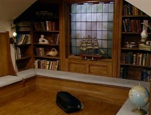 Full House living room library