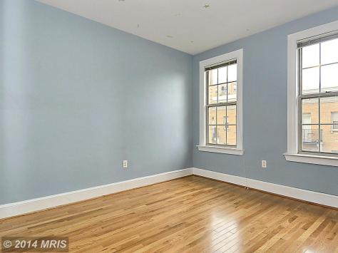 DC8369112 - MASTER BEDROOM WITH DOUBLE WINDOWS AND HARDWOOD FL