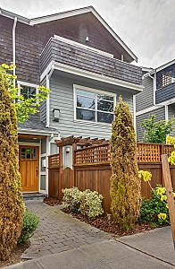 Townhouse for sale in Seattle, WA